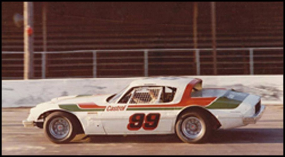 Howie Scannell #99 at Pinecrest Speedway in 1975. Courtesy of Kevin McGill